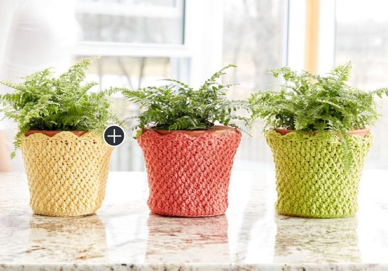 Easy Scallop Edged Crochet Baskets