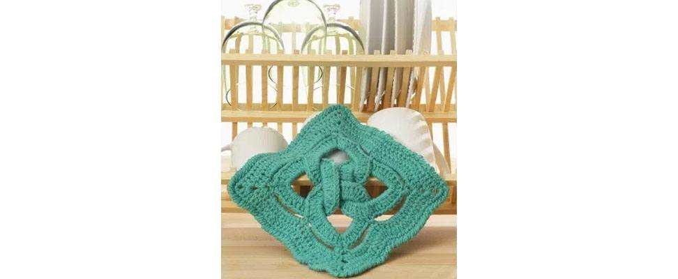 Celtic Knot Dishcloth in Lily Sugar'n Cream yarn