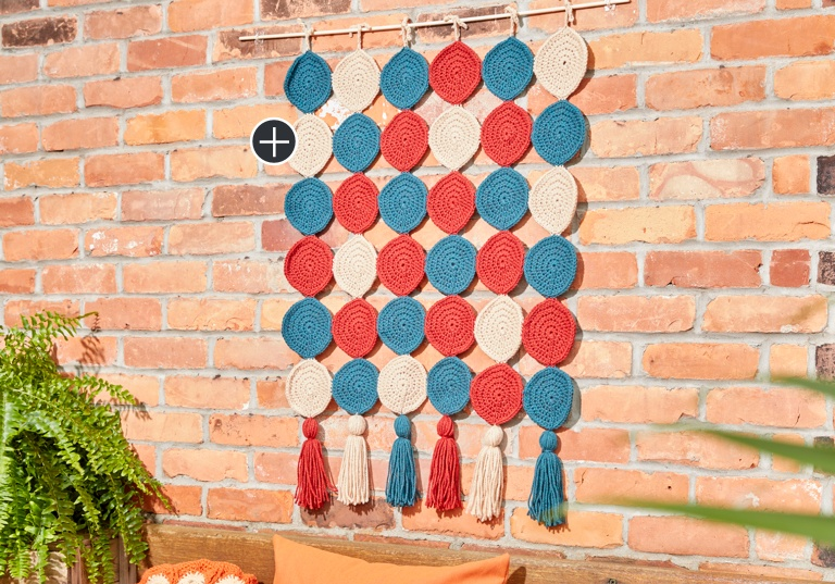 Easy Round In Circles Crochet Wall Hanging