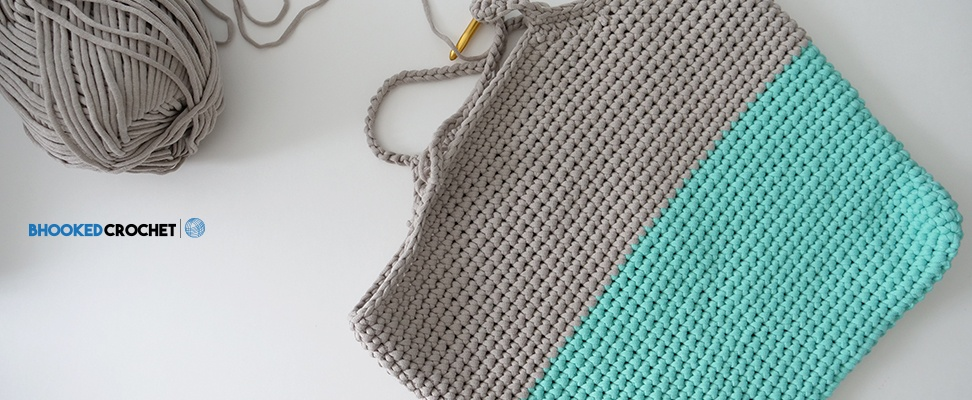 Crochet Carry All Bag in Bernat Maker Home Dec - B.hooked Crochet's version