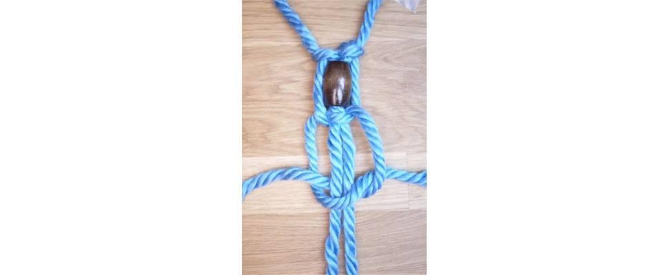 Mega Macrame Necklace Step 5.5