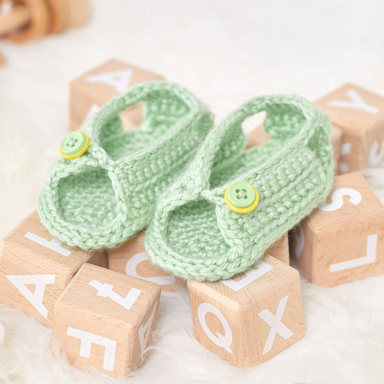 Intermediate Unisex Crochet Sandals for Baby