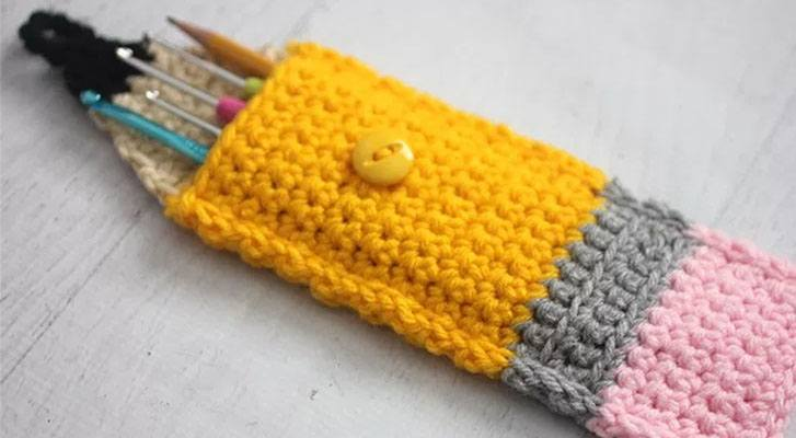 Simple Crochet Pencil Pouch