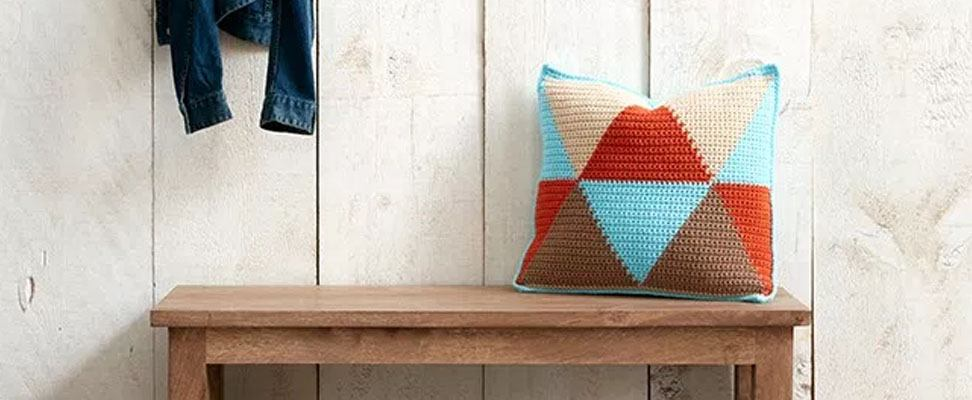 Bold Angles Pillow in Bernat Super Value yarn