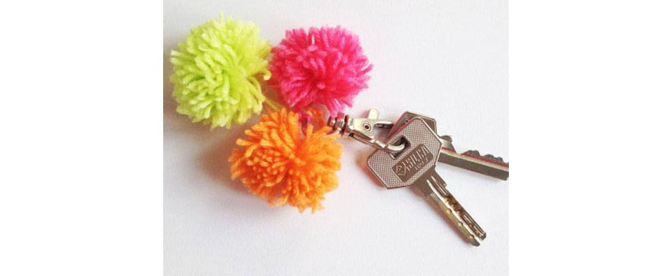 Quick Pompom Keychain Ring