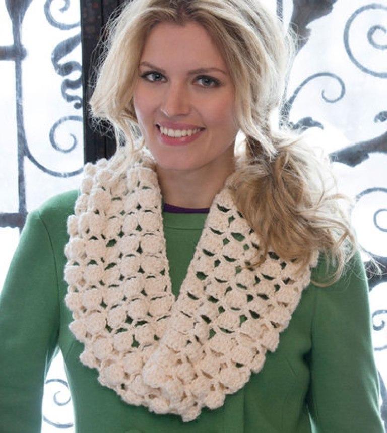 Easy Infinite Shells Crochet Cowl