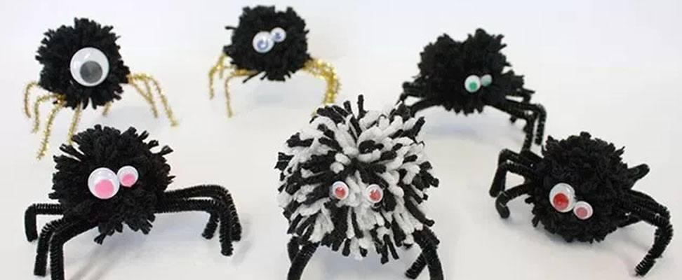 Pompom Spider in Bernat Super Value yarn finished