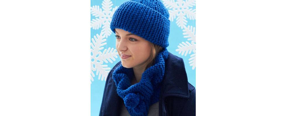 Pompom Cowl and Hat