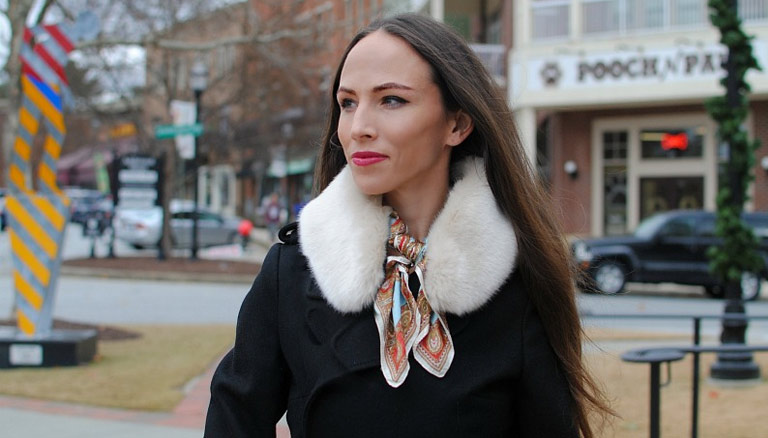 DIY: Versatile Faux Fur Collar