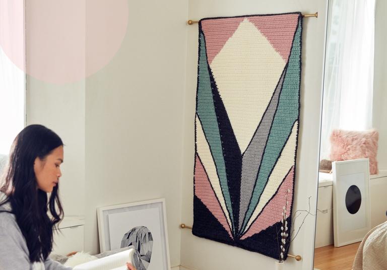 Intermediate Deco Crochet Tapestry