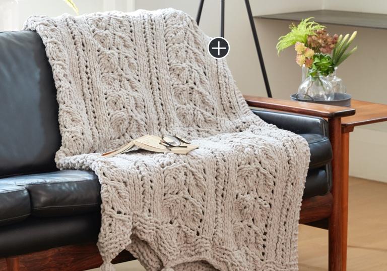 Intermediate Rose Leaf Knit Blanket