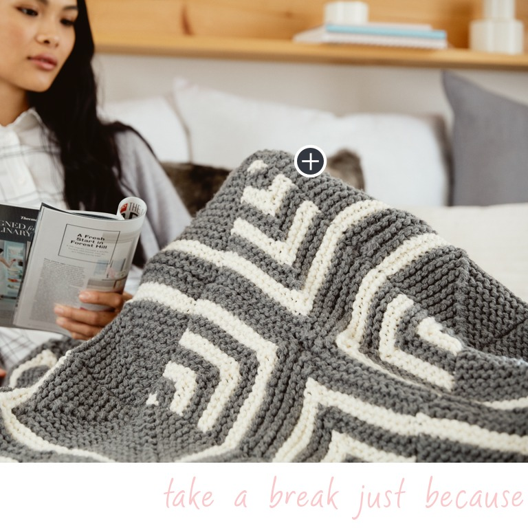 Easy Deco Squares Knit Blanket