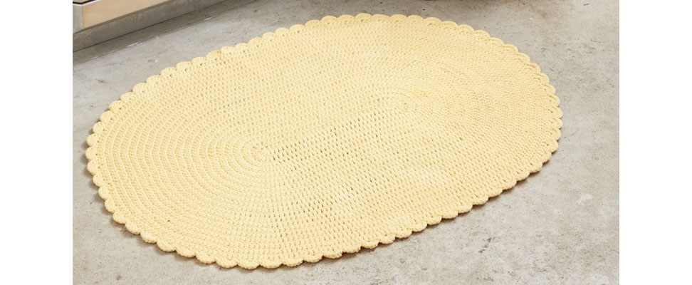 Welcome Home Crochet Rug in Bernat Maker Home Dec yarn