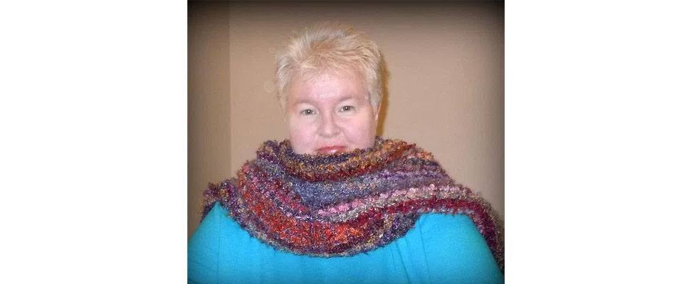 Sandy wearing Patons Big Boucle scarf