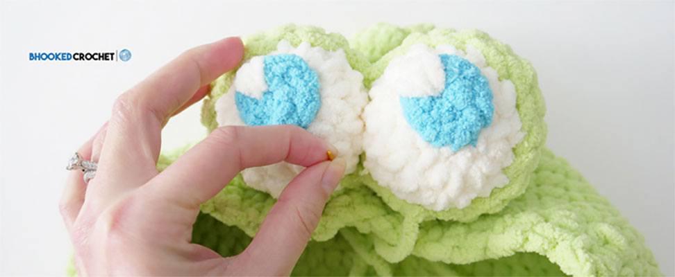 Crochet Froggie Baby Cocoon Eyes