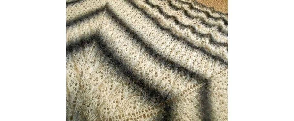 Shawl in Patons Grace yarn