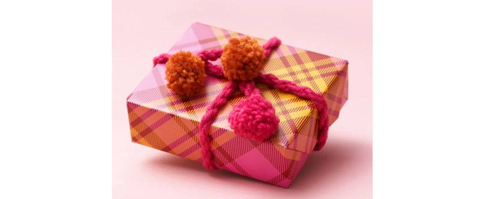 Pompom Present