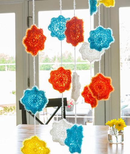 Celebration Garland Free Crochet Pattern LW5304