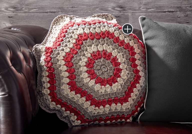 Easy Puffed Up Crochet Pillow