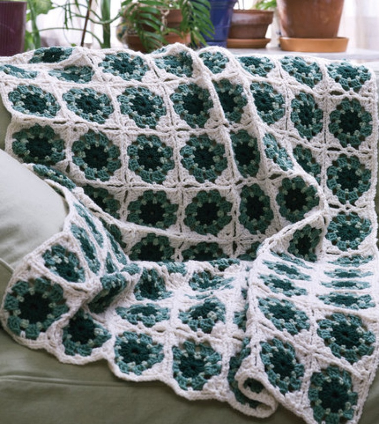Easy Crochet Granny Motif Mania Throw
