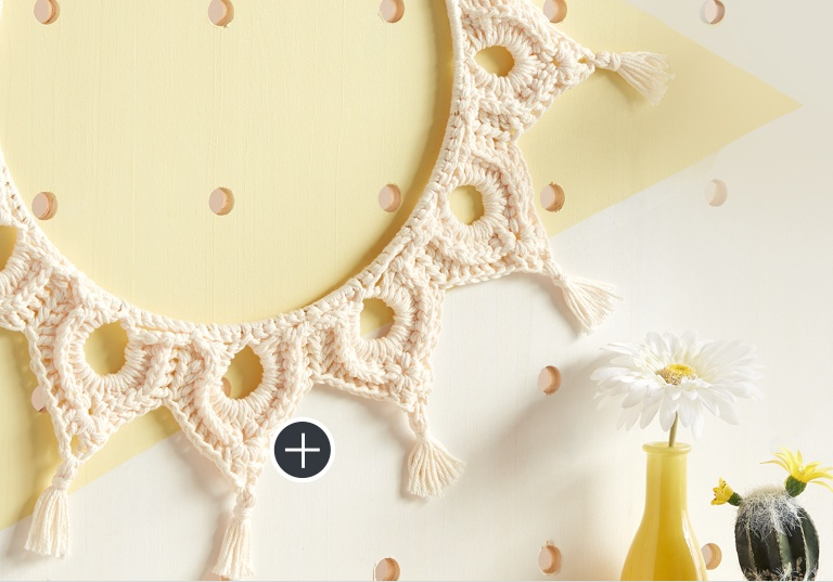 Easy Crochet Mock-Ramé Wreath