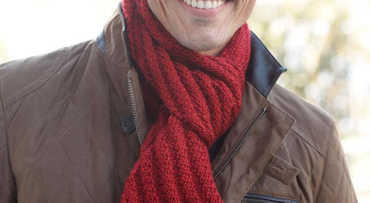 Learn to knit the Steep Diagonal Men's Scarf | Blog