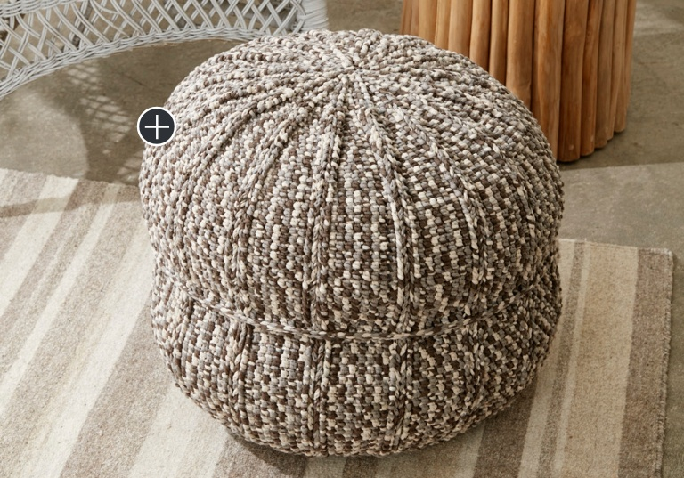 Intermediate Wheel Spokes Crochet Pouf