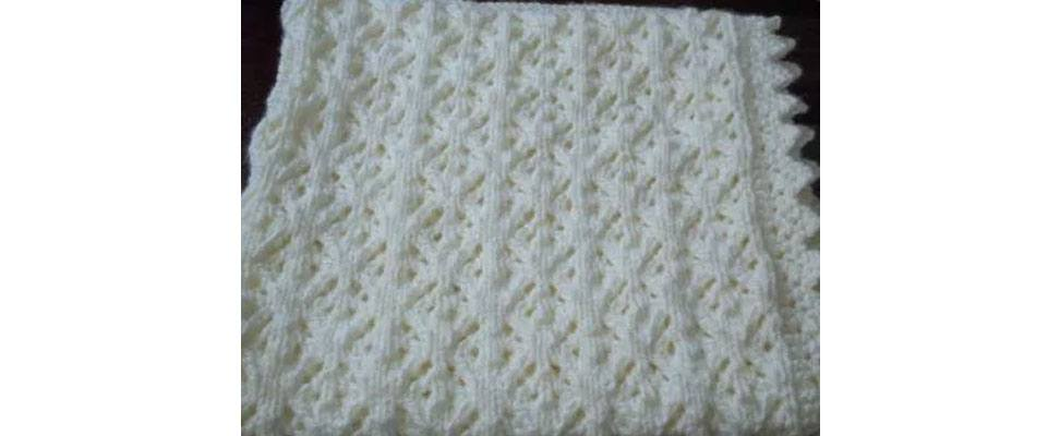 Shandeh's Cushy Lace Wrap in Patons Beehive Baby Chunky yarn