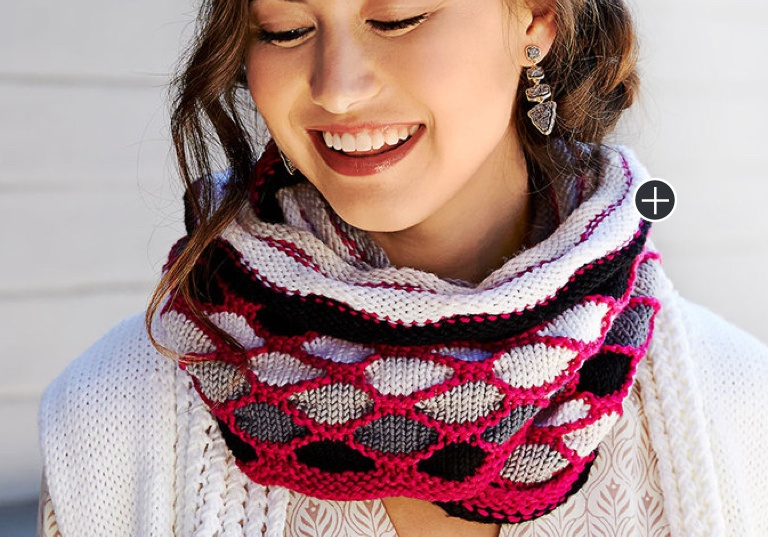 Easy Knit Roulette Chic Cowl