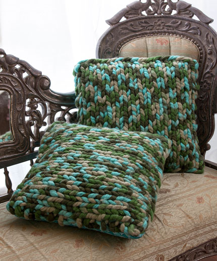 On Trend Knit Pillows Free Knitting Pattern LW5002