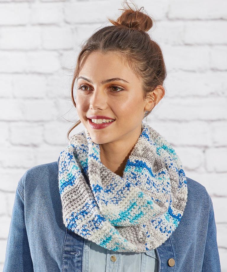 Faux Fair Isle Cowl Free Crochet Pattern LM6037