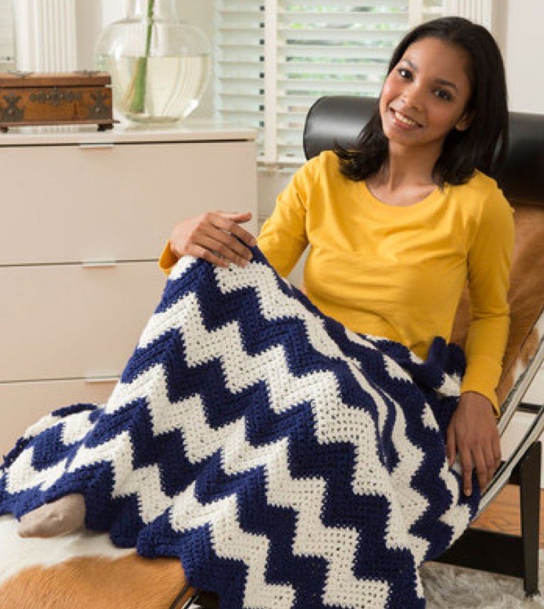 Easy Cabin Chic Chevron Throw