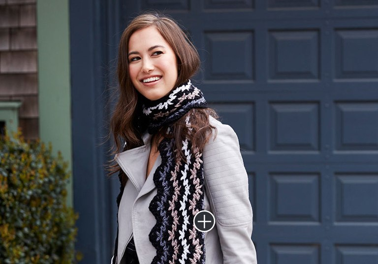 Easy Victory Chic Crochet Scarf