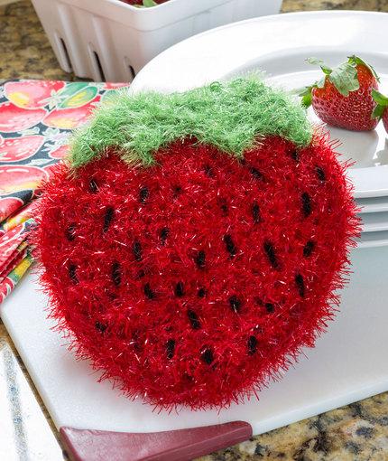 Strawberry Sparkle Scrubby Free Crochet Pattern LW5310