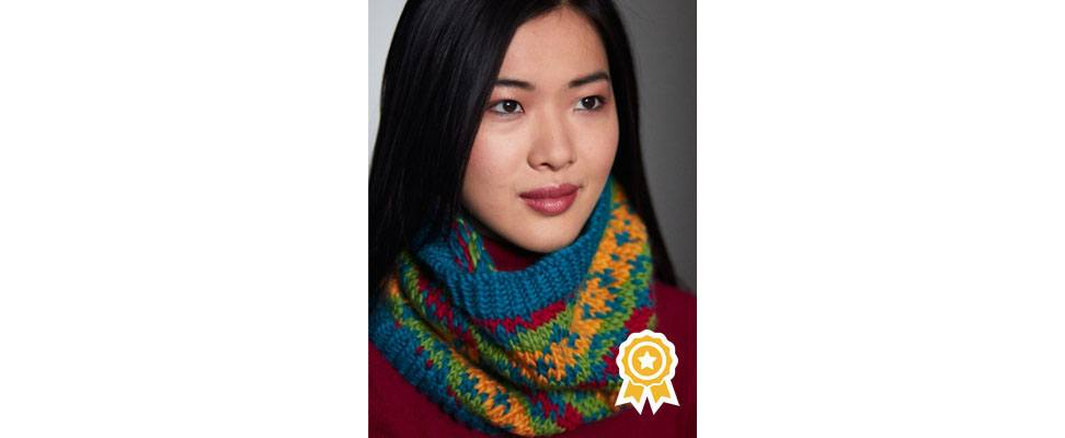 Bright Diamonds Knit Cowl