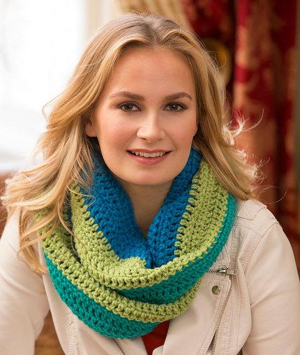 Paradise Infinity Cowl Free Crochet Pattern LW4744