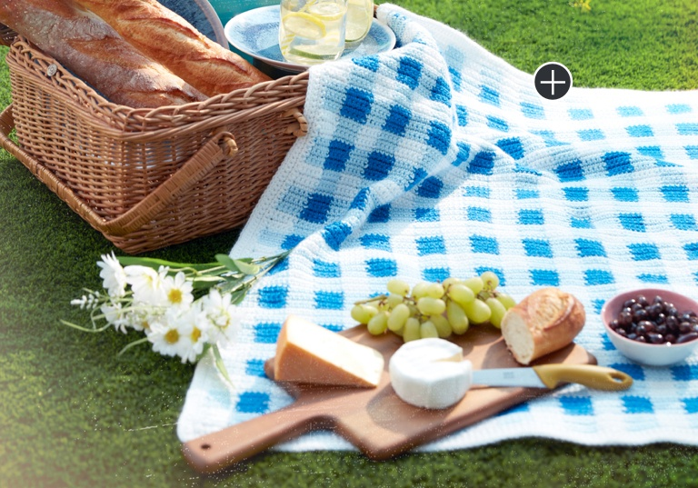 Easy Gingham Crochet Picnic Blanket