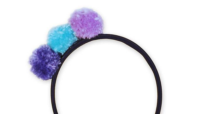 Stylish Update: Make a Pompom Headband!