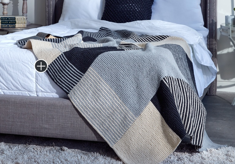 Easy Essential Stripes Knit Blanket