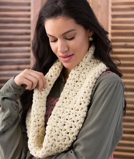 Very V-Stitch Cowl Free Crochet Pattern LW5183