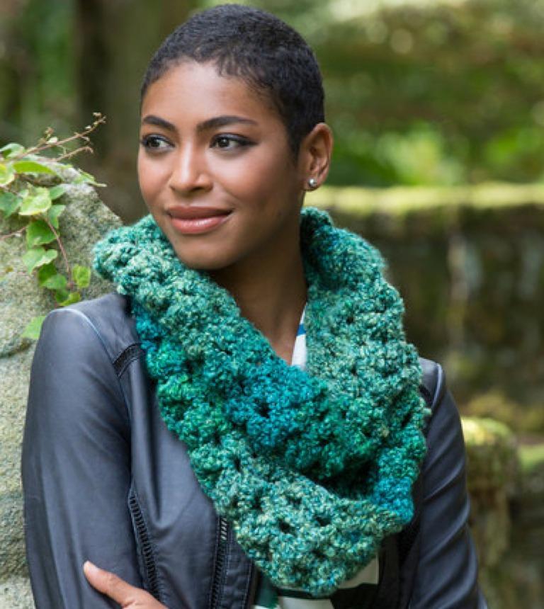 Sparkling Shells Crochet Cowl