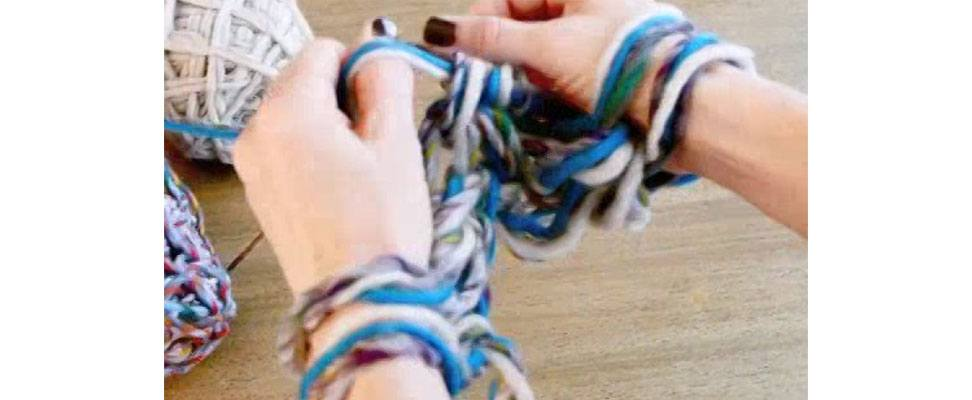 How to Arm Knit an Eternity Scarf