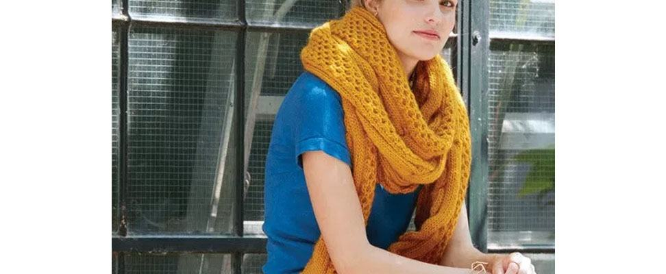 Honeycomb Twist Super Scarf in Patons Classic Wool Roving yarn