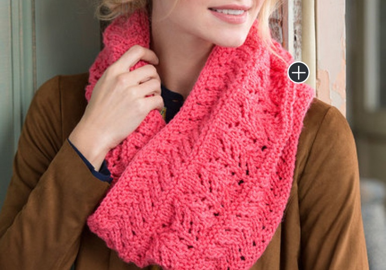 Easy Covet This Lacy Knit Cowl